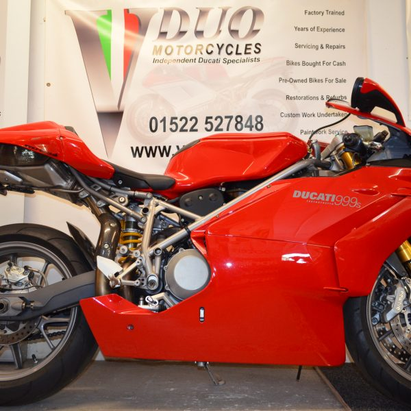 "<span class=""light"">Ducati</span> 999s (8)"