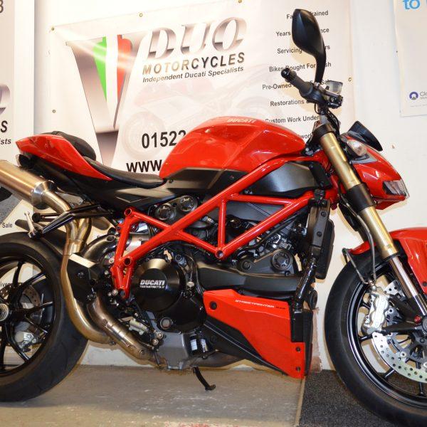 "<span class=""light"">Ducati</span> SFighter 848 (8)"
