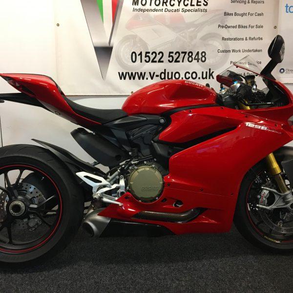 "<span class=""light"">Ducati</span> 1299s (1)"