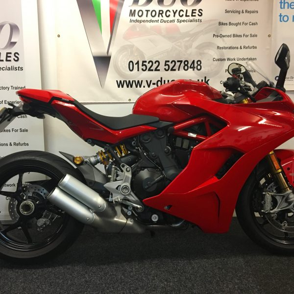"<span class=""light"">Ducati</span> SuperSport S (11)"